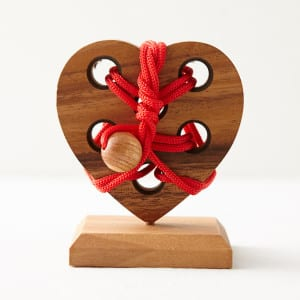 Top 10 Valentine Days Gifts Under $15 – 2016