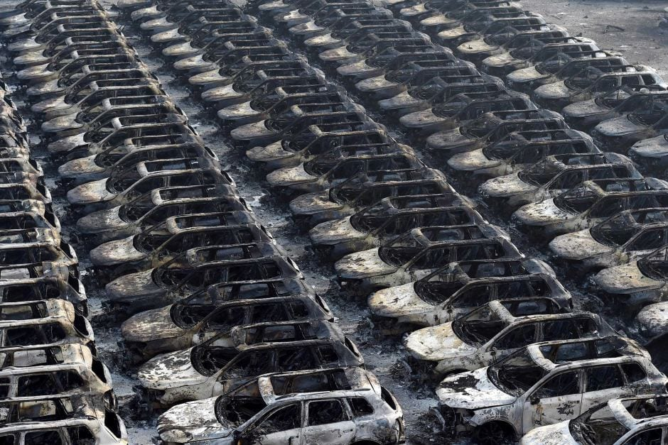 cars bunrt in the explosion Tianjin